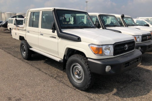 Toyota Land Cruiser HZJ79 Double Cabin